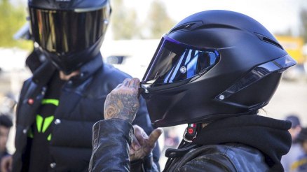 How Do Motorcycle Helmets Work